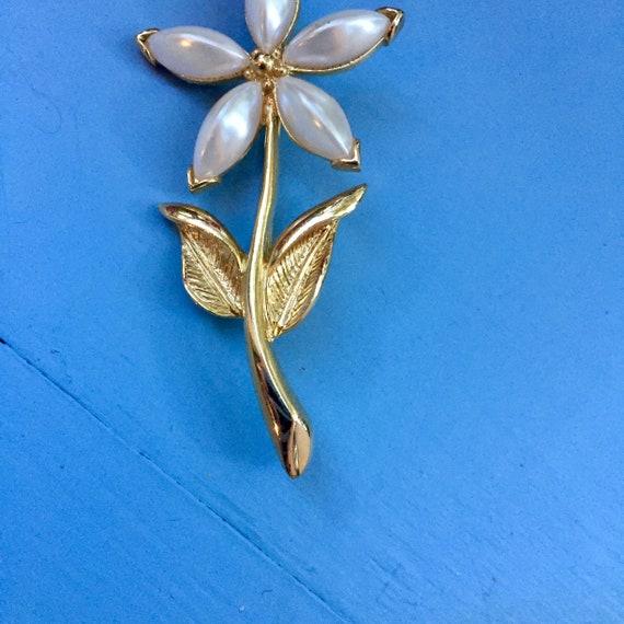 Vintage Flower Brooch, Vintage Pearl Flower Brooc… - image 5