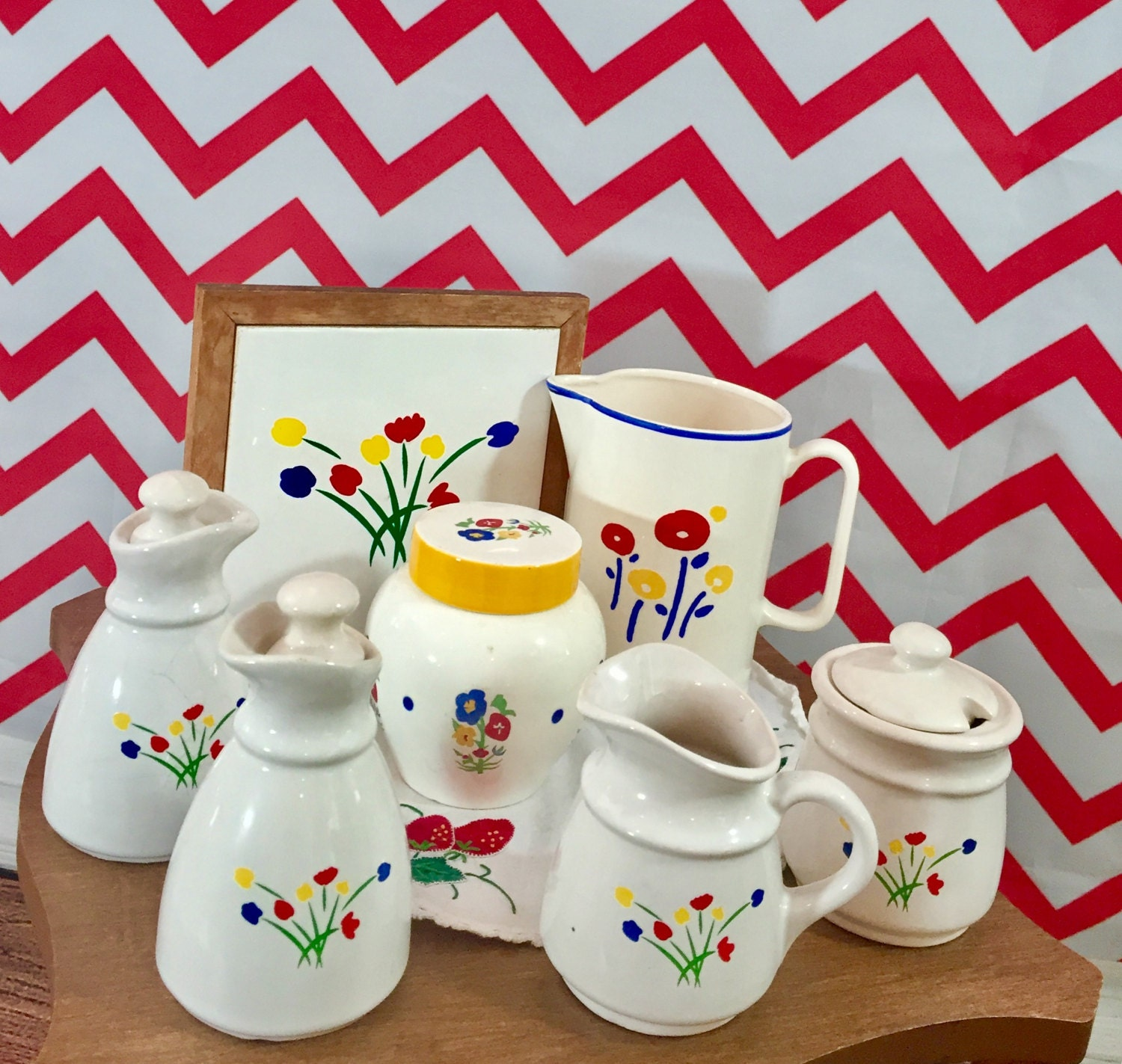 Vintage 1980s Kitchen Decor Lot Of Seven Tulip Dishes Primary Color Dining