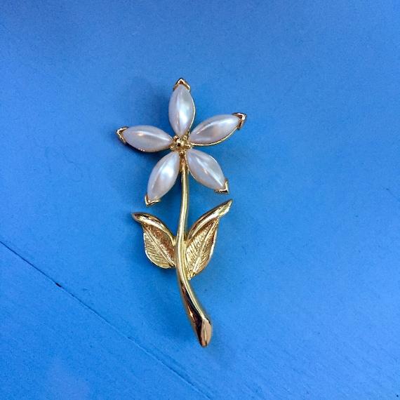 Vintage Flower Brooch, Vintage Pearl Flower Brooc… - image 3