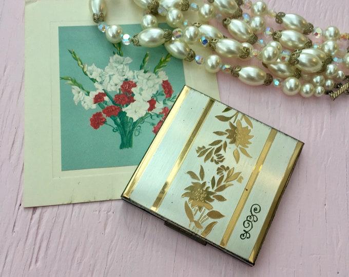 Vintage Elgin America Brass Compact, Vintage Make-up Compact, Vintage Floral Brass Compact, Vintage Vanity Accessories