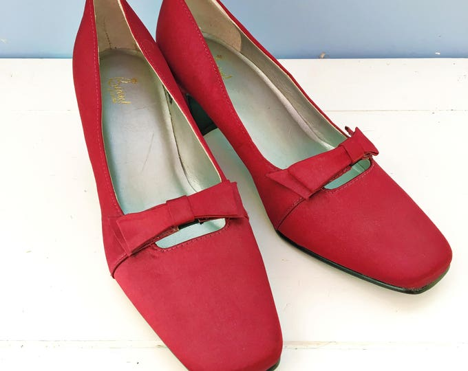 Vintage Maroon Satin Pumps with Bows, Women's Size 6 M, Vintage Bijou Pumps, Vintage Wine Heels, Vintage Burgundy Heels