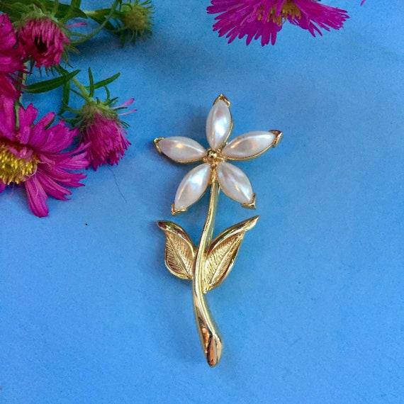 Vintage Flower Brooch, Vintage Pearl Flower Brooc… - image 1