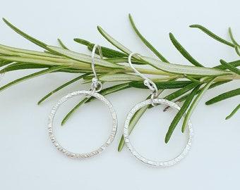 Beautiful minimalist silver circle earrings, dangle earrings, hammered silver