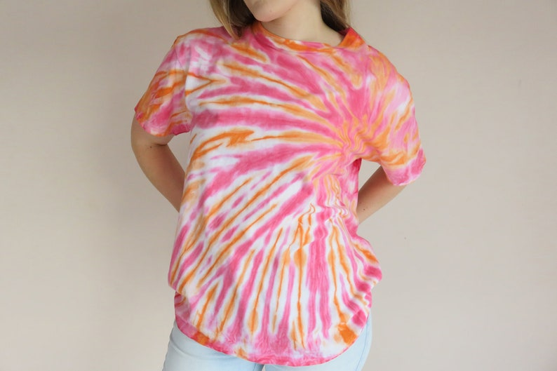 fa22e8d3 Hippy Psychedellic Tie Dye T-Shirt / 90s Dazed and Confused / | Etsy