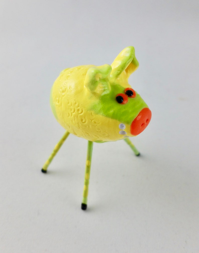 Mini Smiling Pig Lemon and Lime with Green and Yellow Speckled image 0