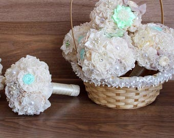 Bridesmaids bouquets and brooch bouquet