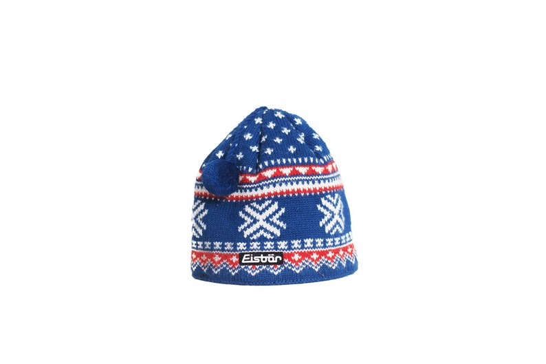 Wool winter hat. Hat retro snowflake. Blue and Red winter snow  724b0ca037bb