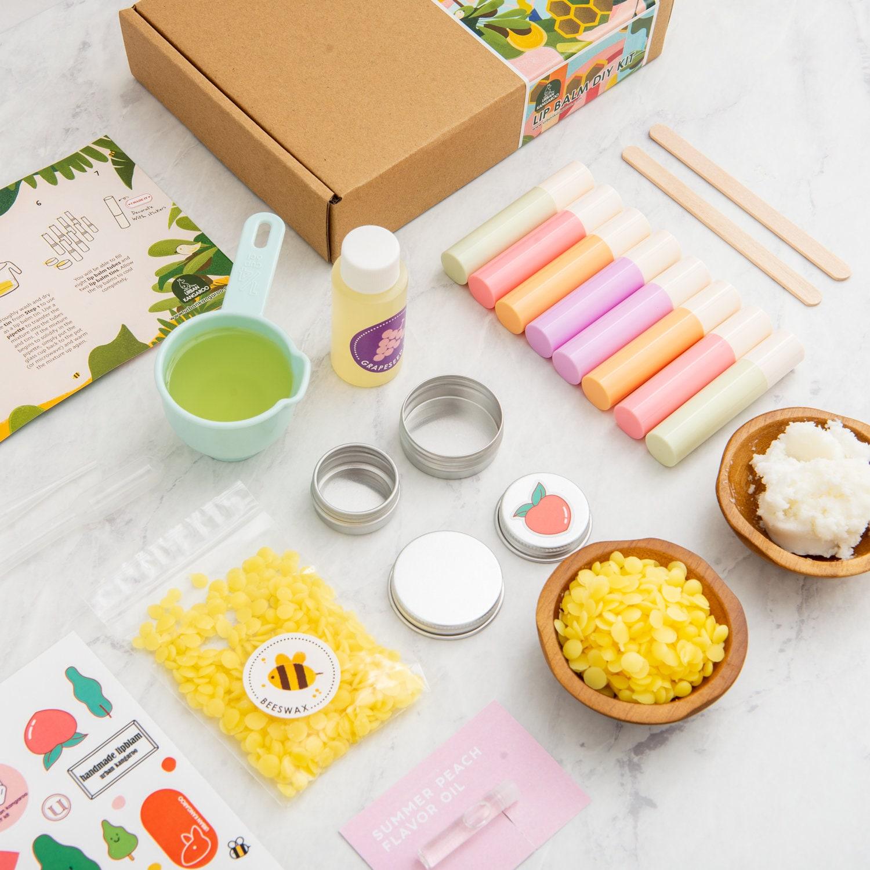 Urban Kangaroo Lip Balm Making Kit   Make 20 All Natural Moisturizing Lip  Balms with Everything Included
