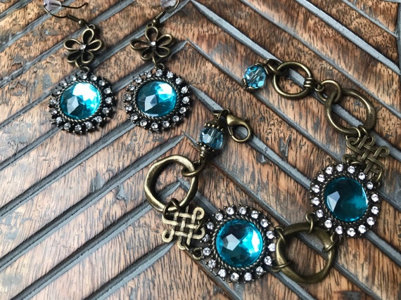Pewter, Antique Bronze, Blue Crystal, Bracelet.