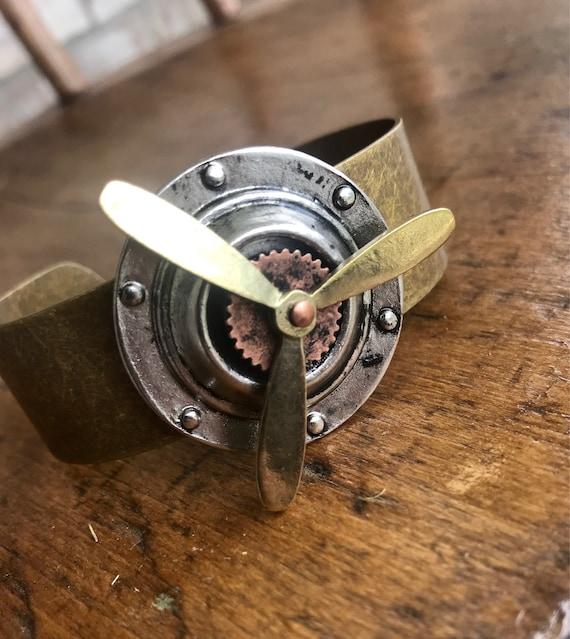 Steampunk Figit Spinner Bracelet.