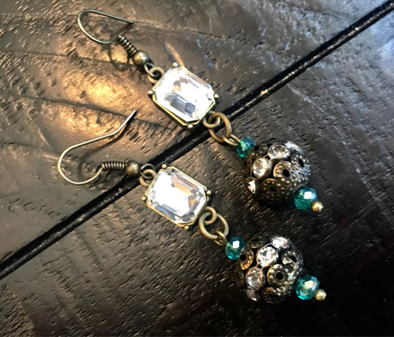 Antique Bronze, Teal Detail earrings