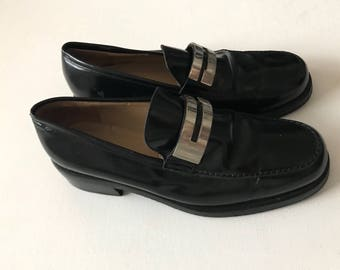 3b4bdfdef83 90 s gucci loafers vintage gucci black leather silver G loafers womens 6