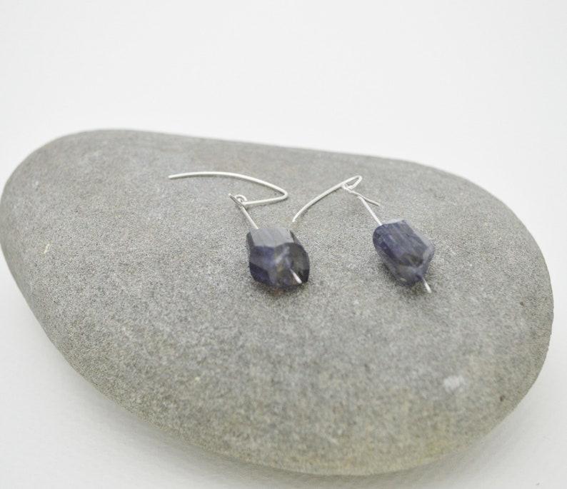 JIMOI\u2027Untitled-Raw Iolite-Silver Drop Long Earring
