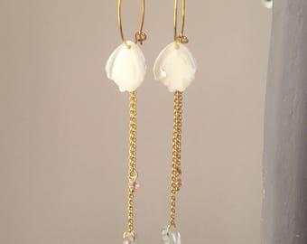 small hoop earrings mother of Pearl leaf