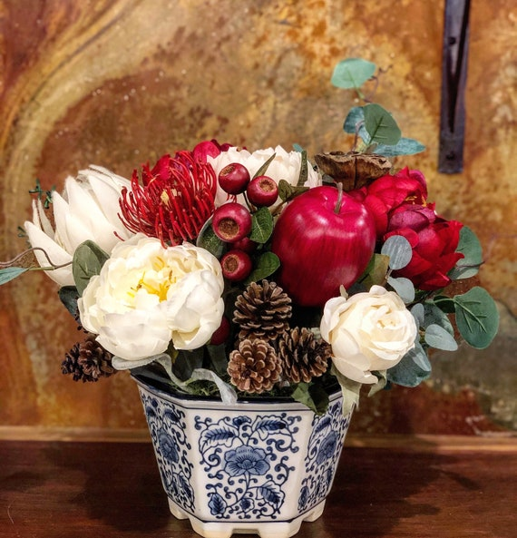 Christmas Floral Arrangement, artificial flower arrangement, faux flowers, christmas decoration, christmas centrepiece, Christmas