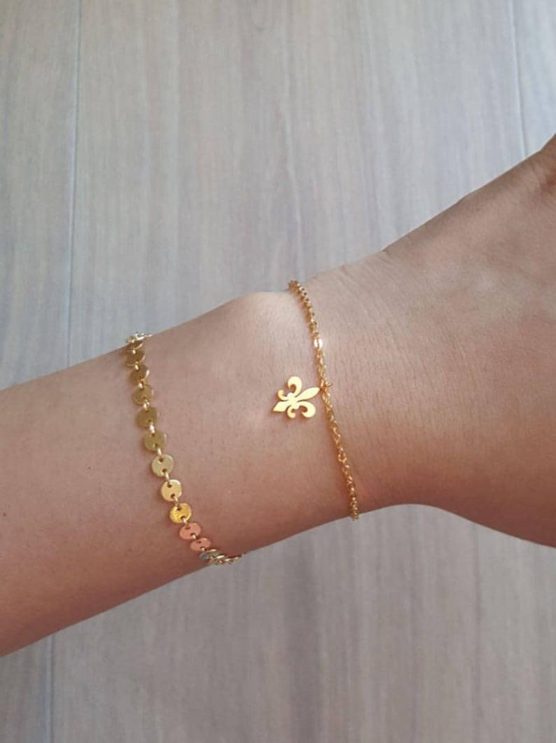 Bridesmaid Gift Delicate Petite Fleur de lis Bracelets,Delicate Fleur de lis Bracelet,flower bracelet,Lily bracelet,Layering Bracelet