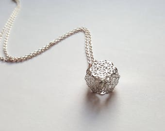 """""""Crystal cage"""" necklace"""