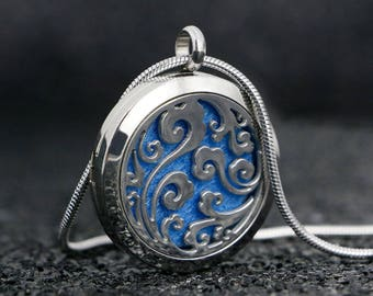 Essential Oil Diffuser Necklace | Aromatherapy Silver Locket Necklace with 10 Colored Felt Pads