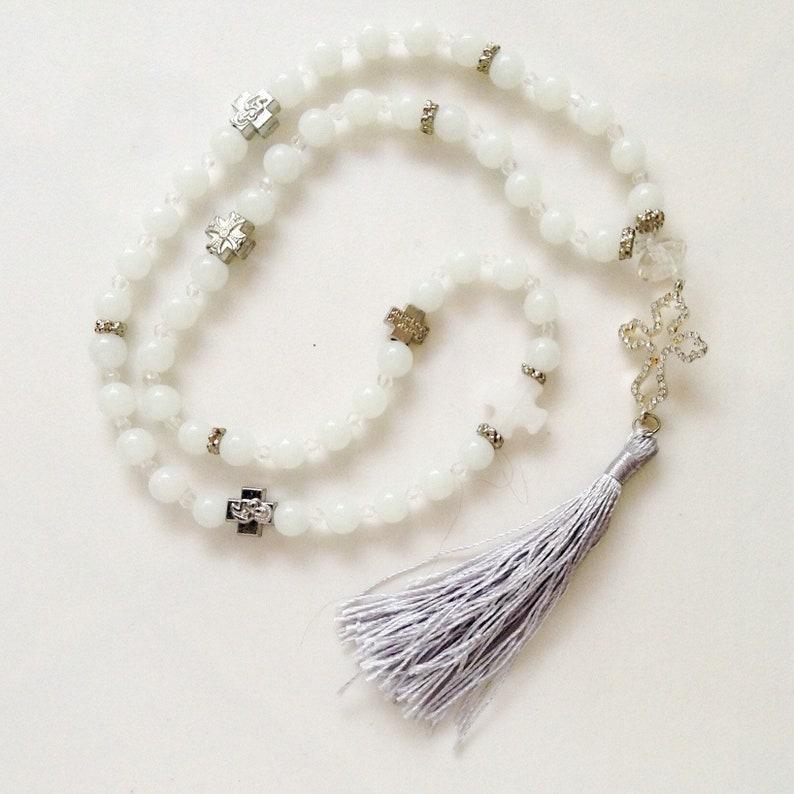 cc15a575b51 Corde de prière orthodoxe de perles de verre blanc avec des