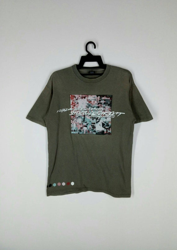 Rare!! STUSSY X FUTURA T-shirt nice design