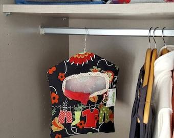 Clothespin bag, storage bag, unique bag, handmade bag, peg bag, applique bag, clothesline, cotton organizer, multipurpose holder