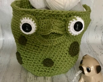 Crochet storage basket - toy basket - frog - childrens storage - bedroom