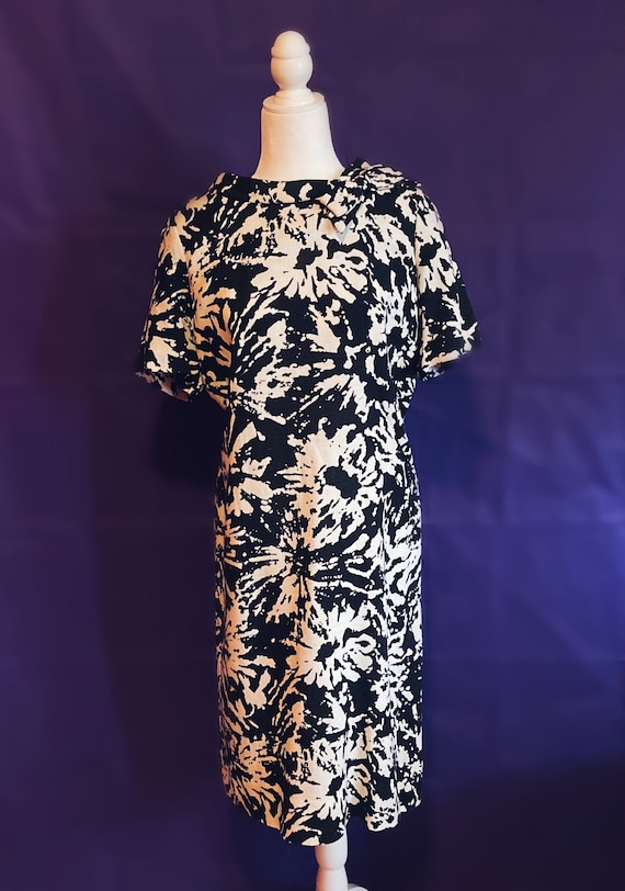 Vintage 80's Does 50's Black and White Floral Shea