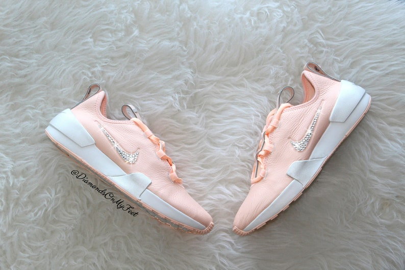 93ebac1d6297 Swarovski Women s Nike Ashin Modern LX Roshe Light Pink