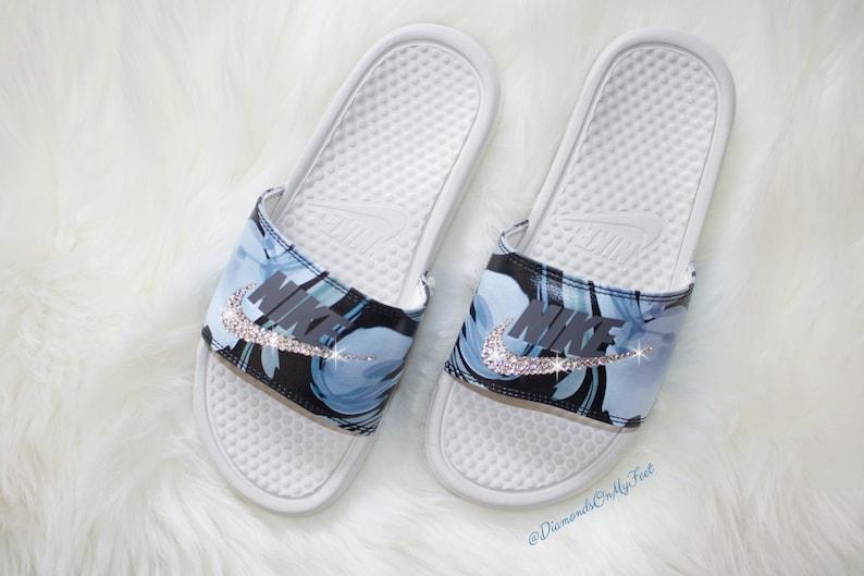 cf3e550f4bf5 Swarovski Women s Nike Benassi JDI Print Blue Design