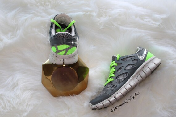 Size 6.5 Swarovski Women s Nike Free Run 2 Gray   Neon  e4ac74699