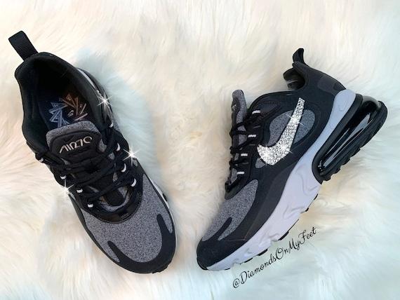 Swarovski Damen Nike Air Max 270 React schwarz & weiß Sneakers Blinged Out mit authentischen klaren Swarovski Kristalle Benutzerdefinierte Bling Nike