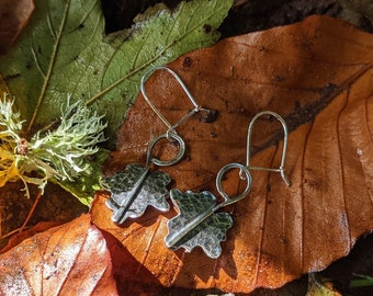 silver maple leaf dangle drop earrings