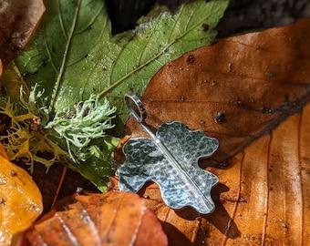 silver maple leaf pendant necklace