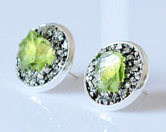 August Birthstone Earrings - Raw Stone Earrings - August Birthstone Jewelry Gift - Natural Peridot Stud Earrings - Genuine Peridot Jewelry