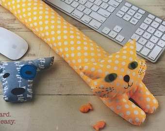 SUMMERSALE Straight Stitch Society, desktop pets, Wrist Rest, Sewing Pattern