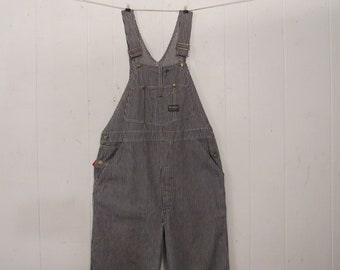 f13fcdfcd24 Vintage Overalls 1910s 1950s Pictures and History Mechanic Girl