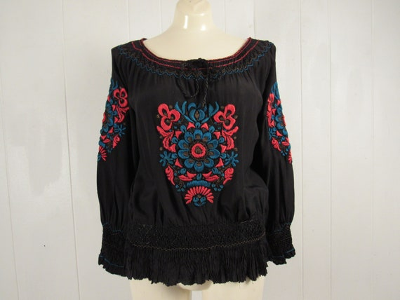 Vintage peasant blouse, 1930s blouse, embroidered