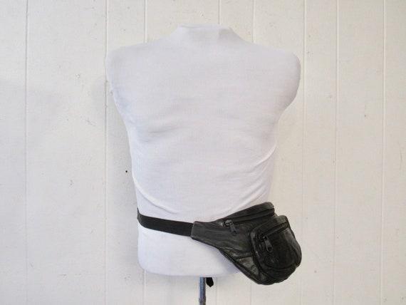 Vintage fanny pack, 1980s fanny pack, black leathe