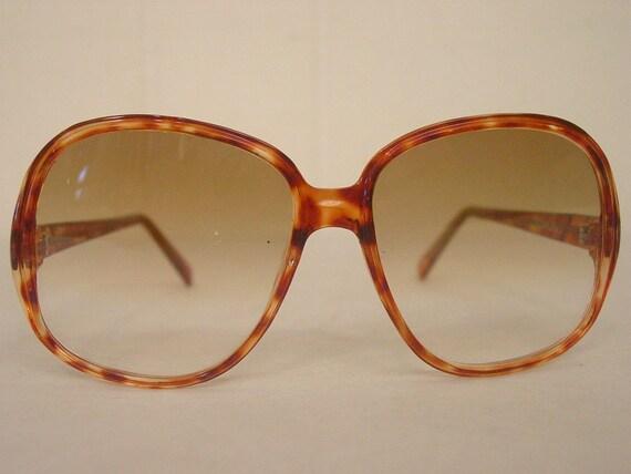 Vintage sunglasses, 1980s sunglasses, tortoise sun