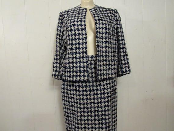 Vintage suit, 1960s suit, women's suit, houndstoot