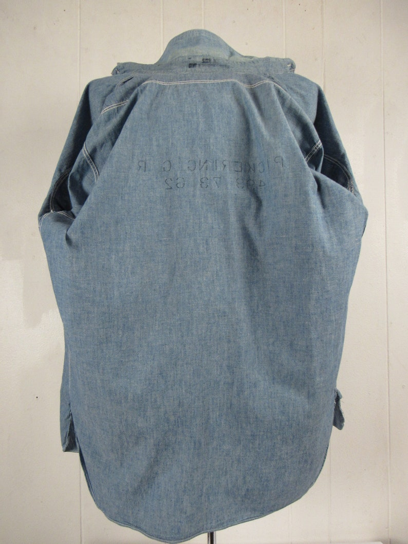 size large vintage workwear WWII Chambray Vintage shirt 1940s chambray shirt size 16 USN chambray shirt vintage clothing