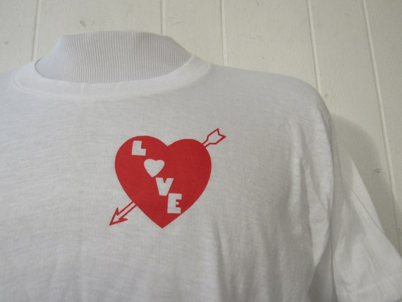 Vintage t-shirt, 1970s t shirt, love t shirt, arro