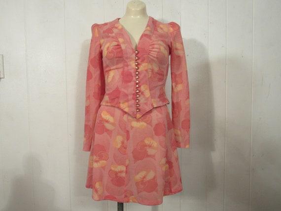 Vintage suit, 1960s suit, women's suit, vintage mi