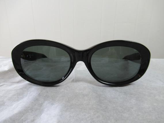 Vintage sunglasses, 1960s sunglasses, mod sunglass
