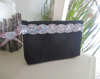 Black Fleece fabric pouch (20.5 cm / 15 cm) with a band of silver sequins
