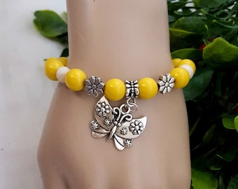 Yellow Stretch Acrylic Beaded Bracelet with Butterfly, Yellow Beaded Bracelet, Butterfly Bracelet, Mother's Day Gift, Charm Bracelet for Mom