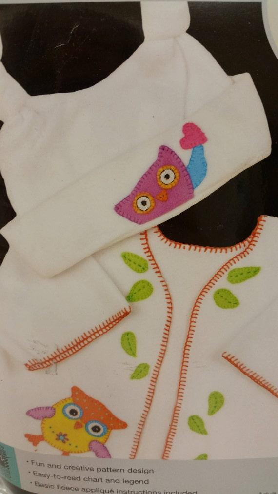 Artiste Fleece Applique/' Baby Bibs Kit Llama Bibs #1088830