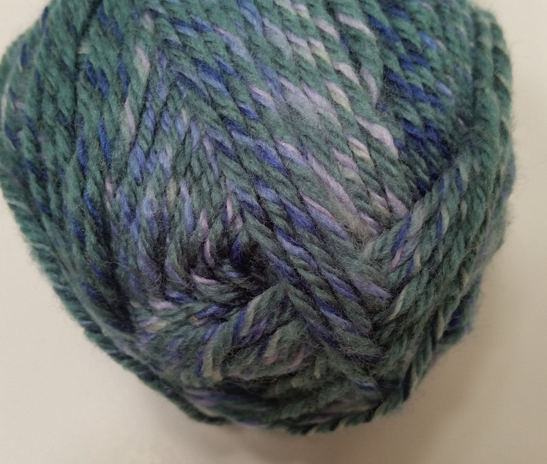 16 Skeins available 3oz85g Dye Lot 1 Patons Canadiana Colours Medium 4 Machine WashDry 1 Skein Color#7366 193yds177m