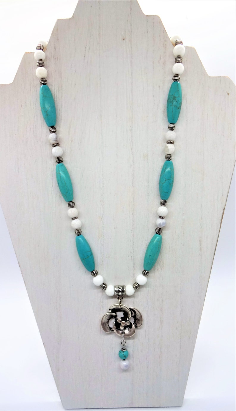 Handcrafted with Magnesite Turquoise Silver Flower Necklace Earrings and Bracelet Set White Jade /& Silver Beads