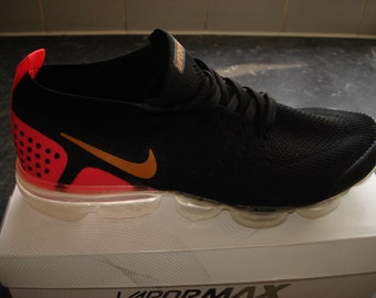 1af6fa5411 Nike Air Vapormax Flyknit Black / Red Trainers UK Size 8.5 / EU 43 US 9.5